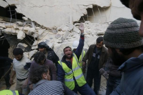"""Suriye'de """"varil bombalı"""" saldırı 13"""