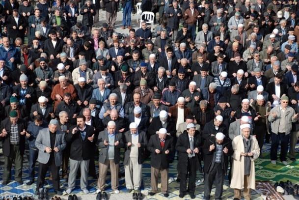 Kütahya'da 5 bin kişi yağmur ve kar duasına çıktı 4