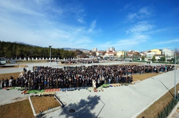 Kütahya'da 5 bin kişi yağmur ve kar duasına çıktı 9