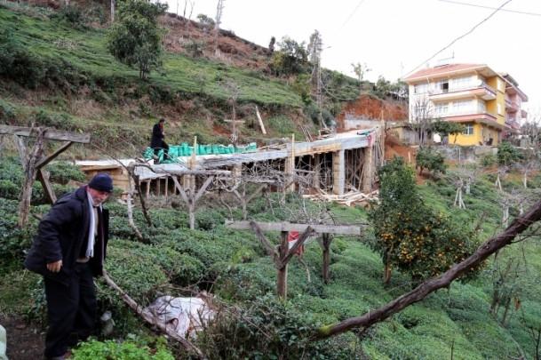 Evine ulaşmak için 68 metrelik köprü yaptı 2
