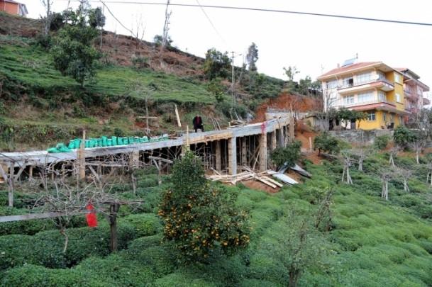 Evine ulaşmak için 68 metrelik köprü yaptı 4
