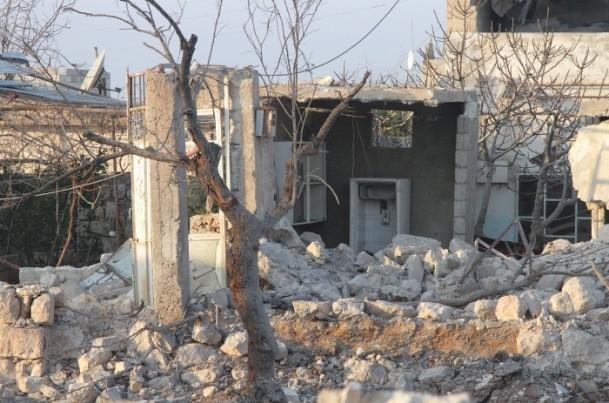Halep'te varil bombalı saldırılar 11