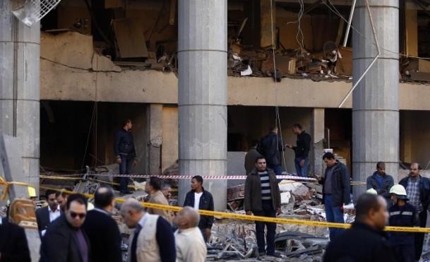 Mısır'da bombalı saldırı 10