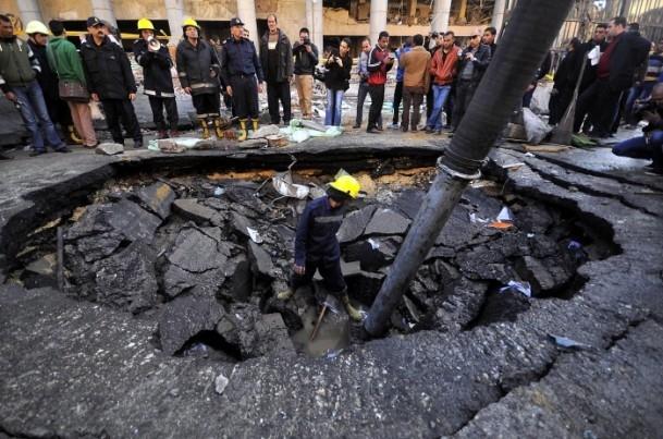 Mısır'da bombalı saldırı 8