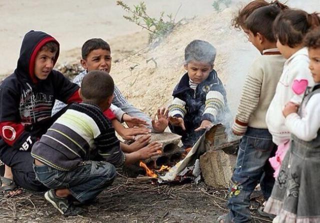 Suriyeli çocuklar donuyor... 1