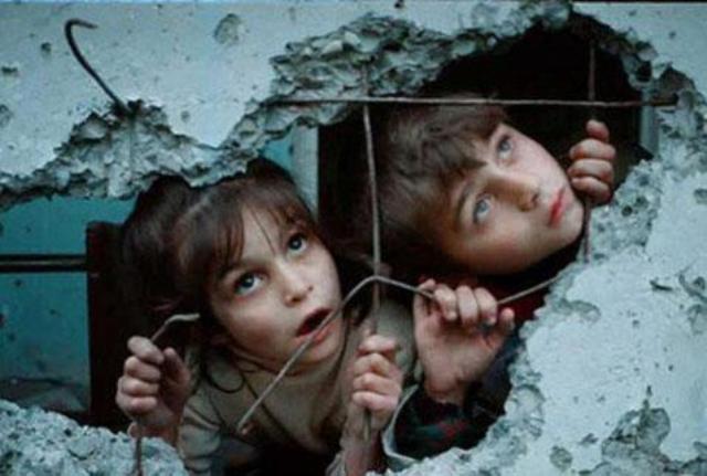 Suriyeli çocuklar donuyor... 19