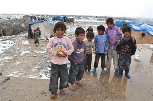 Suriyeli çocuklar donuyor... 20