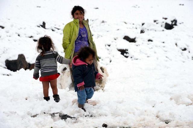 Suriyeli çocuklar donuyor... 21