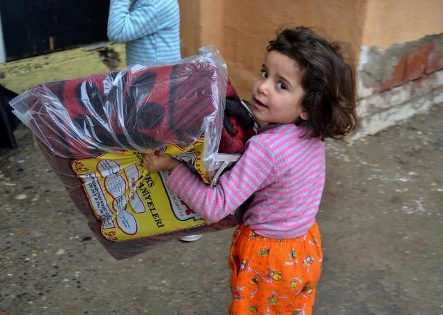 Suriyeli çocuklar donuyor... 22