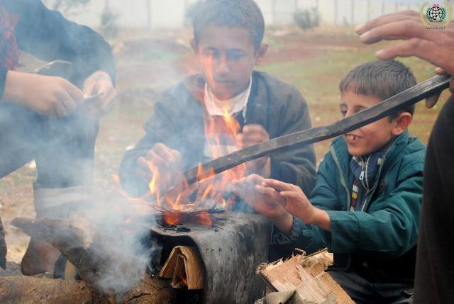 Suriyeli çocuklar donuyor... 7