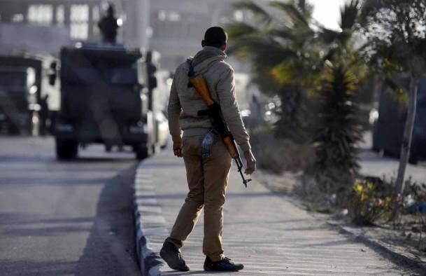 Mursi'nin yargılanması sürüyor 5