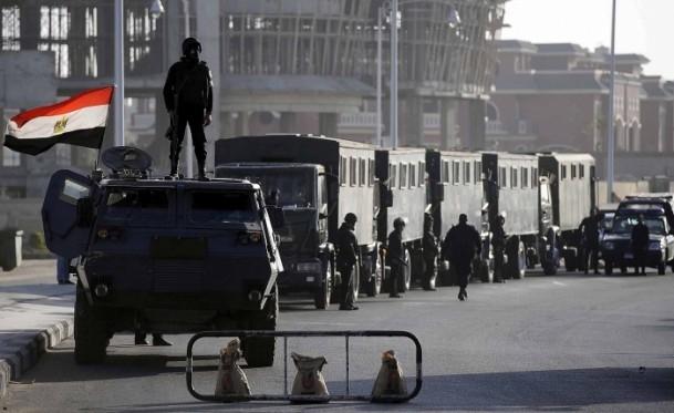 Mursi'nin yargılanması sürüyor 7
