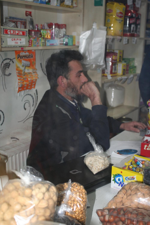Görme engelli market sahibine bıçaklı gasp 3