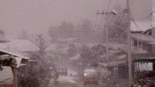 Endonezya'da yanardağ dehşeti 11
