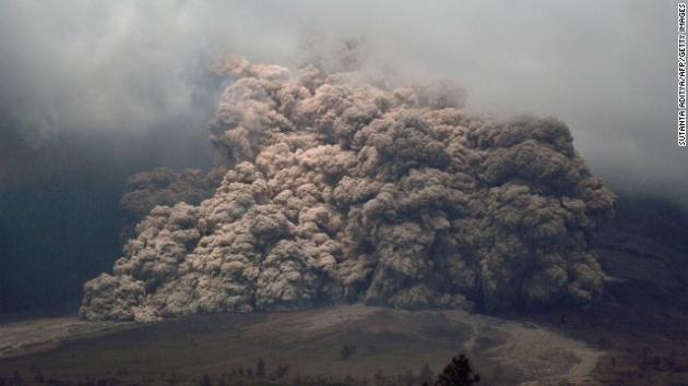 Endonezya'da yanardağ dehşeti 15