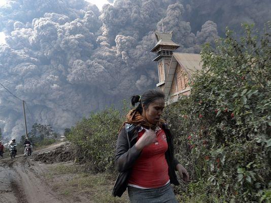 Endonezya'da yanardağ dehşeti 16