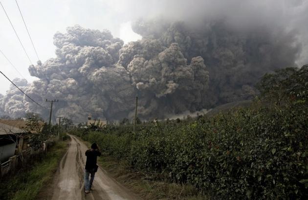 Endonezya'da yanardağ dehşeti 2