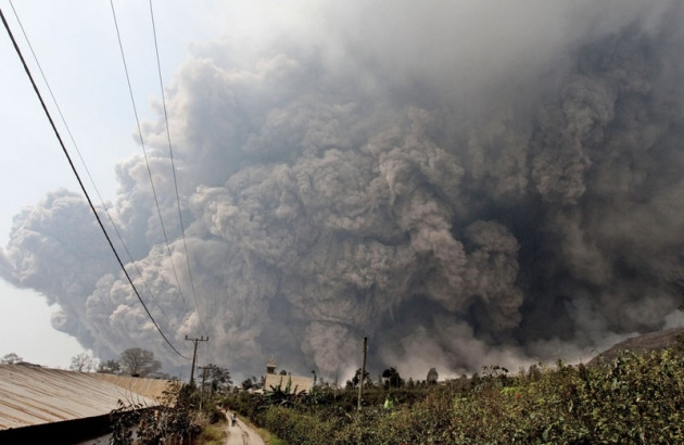 Endonezya'da yanardağ dehşeti 3