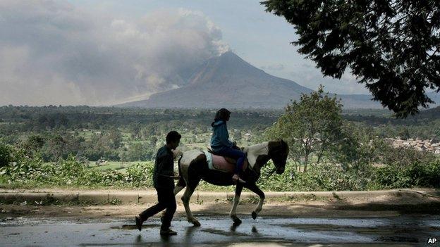 Endonezya'da yanardağ dehşeti 6