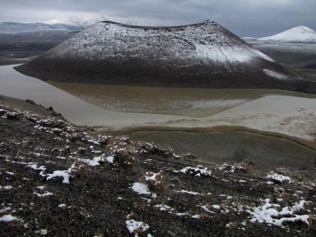 Meke Gölü'nde kar manzarası 2