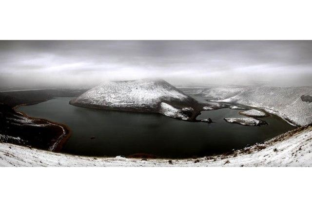 Meke Gölü'nde kar manzarası 3