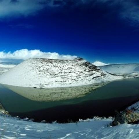 Meke Gölü'nde kar manzarası 4