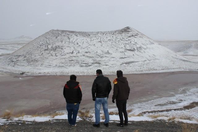 Meke Gölü'nde kar manzarası 9