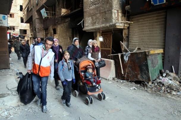 Yermuk mülteci kampına 2 bin 500 adet yardım paketi 6
