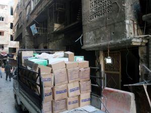 Yermuk mülteci kampına 2 bin 500 adet yardım paketi