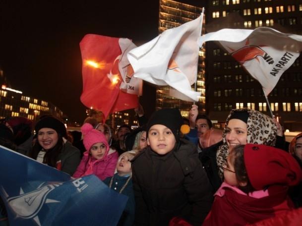 Başbakan Erdoğan'a Almanya'da coşkulu karşılama 12