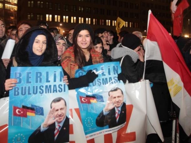 Başbakan Erdoğan'a Almanya'da coşkulu karşılama 3