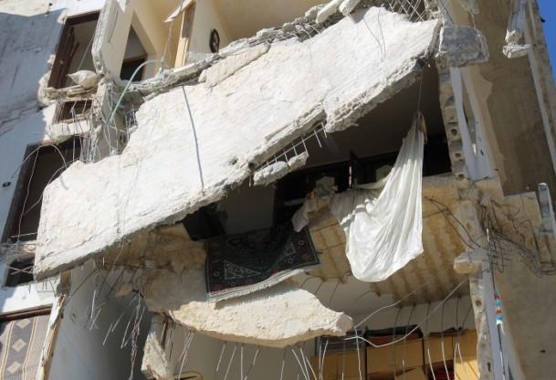 Esed yine varil bombasıyla vurdu 10