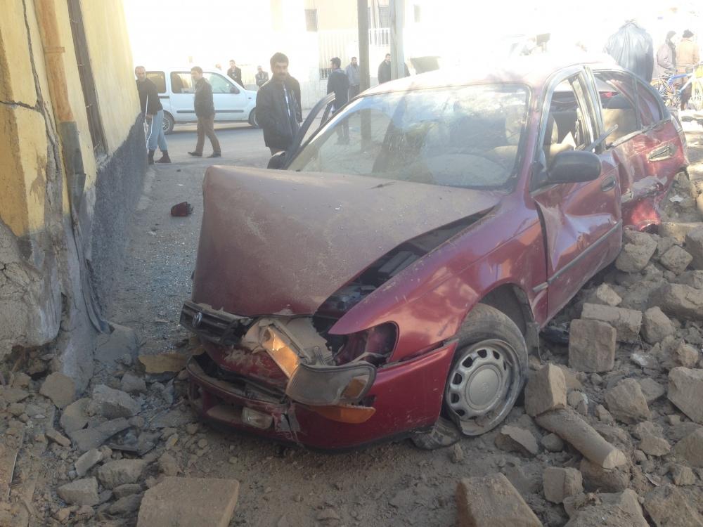 Konya'da otomobil kaldırımdaki çocuğa çarptı 3