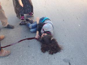 Konya'da otomobil kaldırımdaki çocuğa çarptı