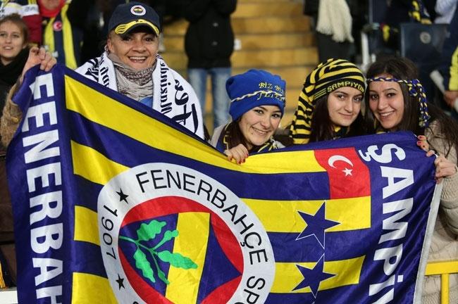 Fenerbahçe, Akhisar'ı 4-0 mağlup etti 11
