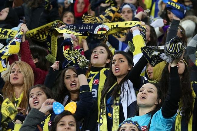 Fenerbahçe, Akhisar'ı 4-0 mağlup etti 12