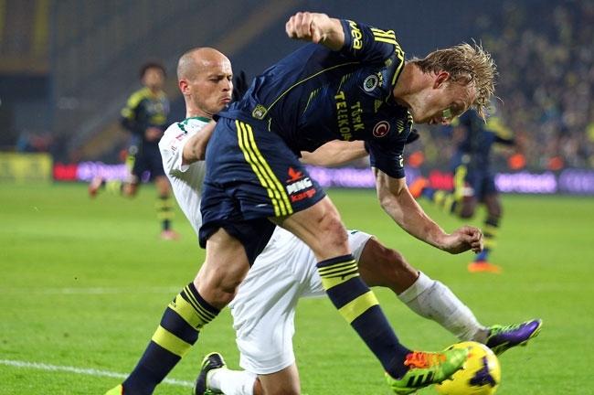Fenerbahçe, Akhisar'ı 4-0 mağlup etti 3