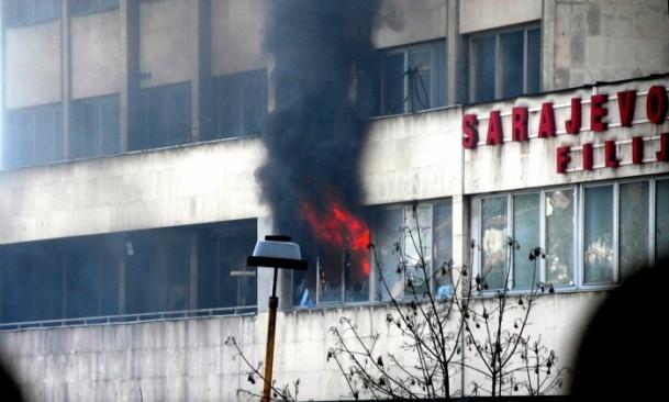 Bosna Hersek'te protestolar sürüyor 13