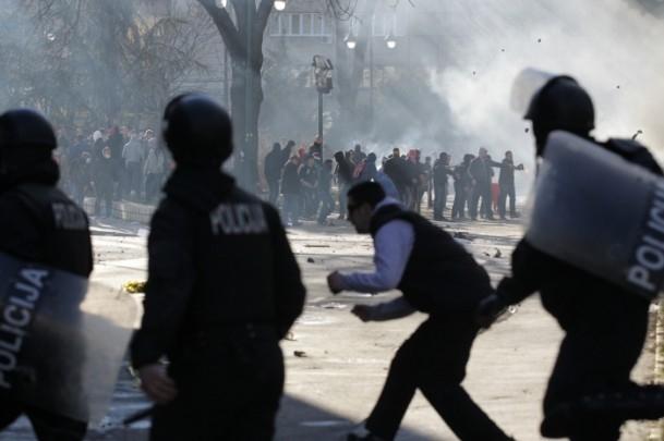 Bosna Hersek'te protestolar sürüyor 14