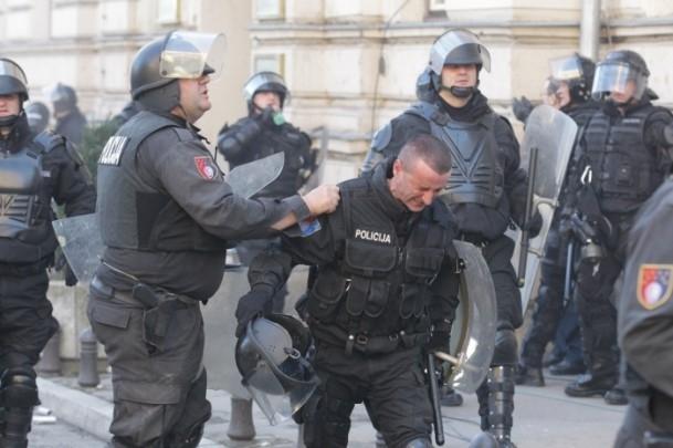 Bosna Hersek'te protestolar sürüyor 24