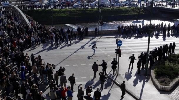 Bosna Hersek'te protestolar sürüyor 35