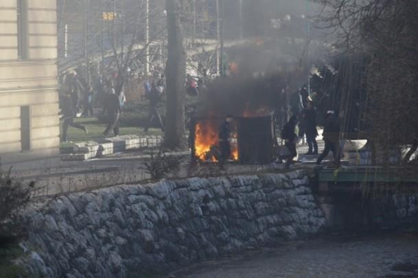 Bosna Hersek'te protestolar sürüyor 37