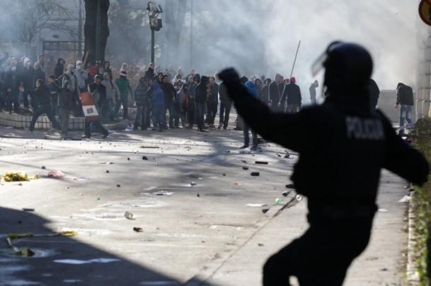 Bosna Hersek'te protestolar sürüyor 49