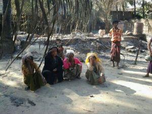 Myanmar'daki köy baskını