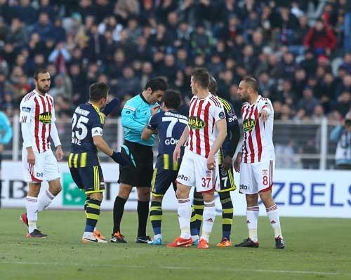 Sivasspor 2-Fenerbahçe 0 14