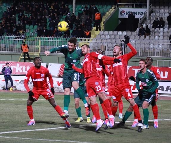 Torku Konyaspor: 2 - Karabükspor: 3 12