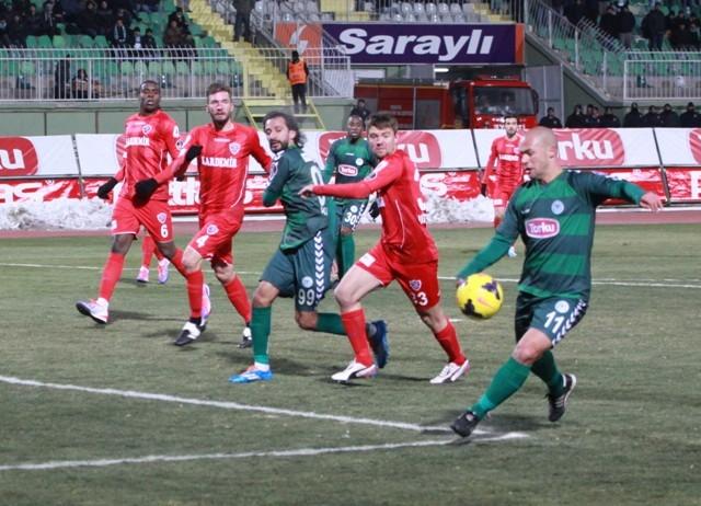Torku Konyaspor: 2 - Karabükspor: 3 19
