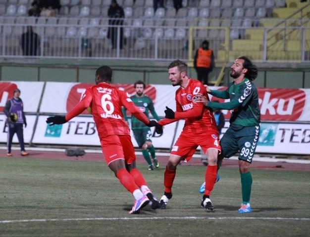Torku Konyaspor: 2 - Karabükspor: 3 3