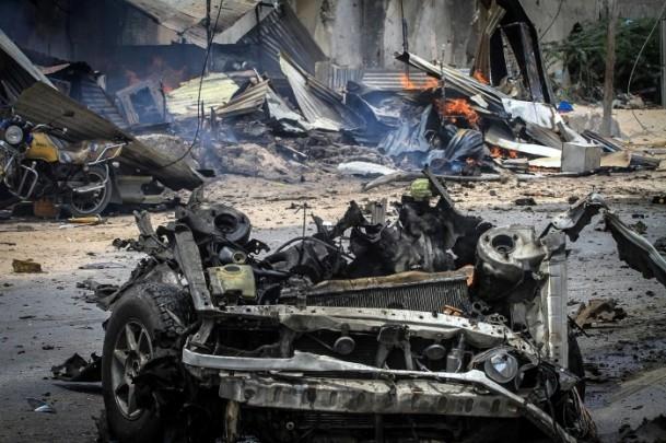 Mogadişu Havaalanı önünde patlama 4