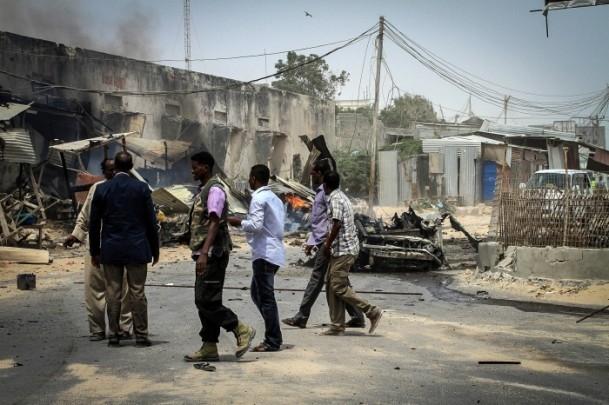 Mogadişu Havaalanı önünde patlama 6